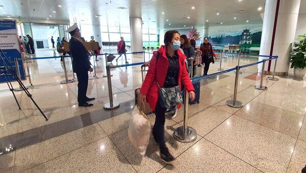 Bộ Y tế kiểm tra phòng chống bệnh viêm phổi tại sân bay quốc tế Nội Bài - Sputnik Việt Nam