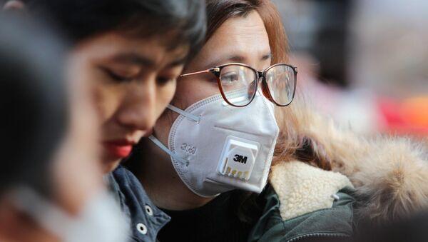 Khẩu trang đạt chuẩn N95 của 3M ngăn được 95% vi sinh vật trong không khí. Trước đây, khẩu trang 3M được bán với giá 9.500/chiếc, nay lên 35.000/chiếc - Sputnik Việt Nam