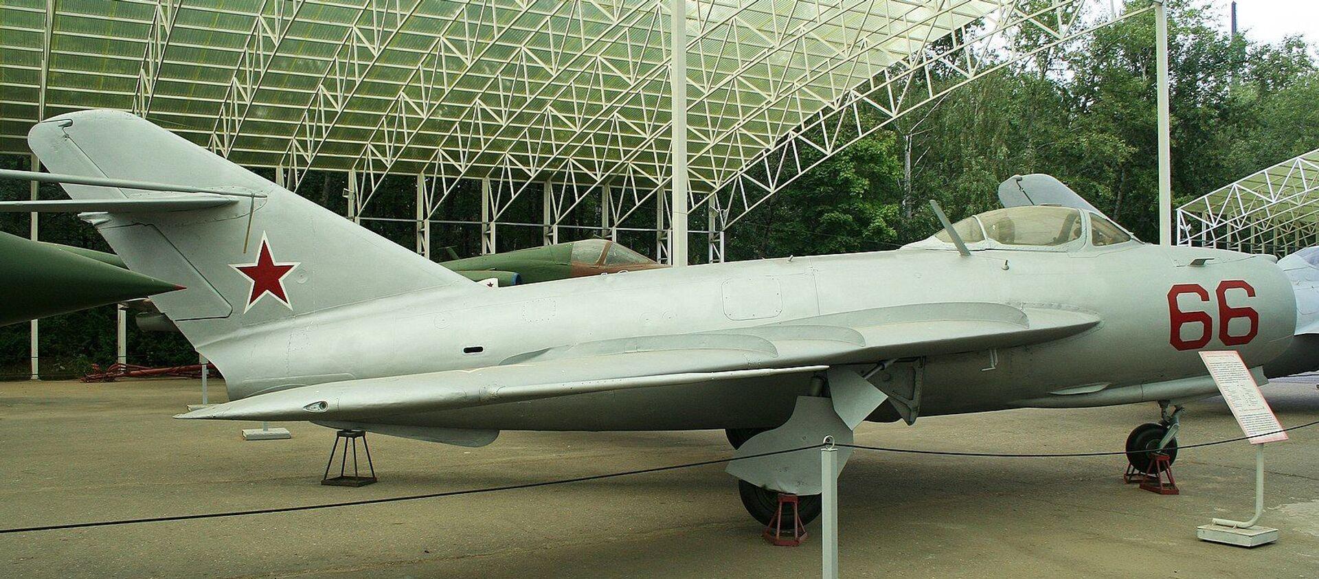 Máy bay chiến đấu MIG-17PF của Liên Xô  - Sputnik Việt Nam, 1920, 03.02.2020