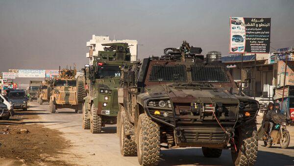 Thổ Nhĩ Kỳ chuyển xe bọc thép tới Idlib - Sputnik Việt Nam