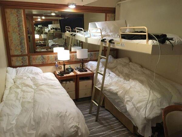 Cabin tàu du lịch Diamond Princes bị cách ly tại cảng Yokohama của Nhật Bản - Sputnik Việt Nam