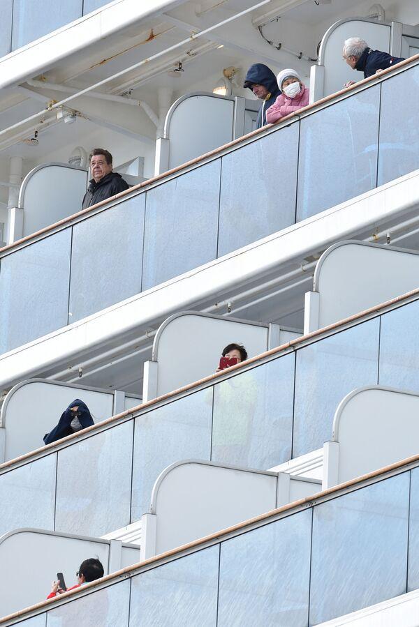 Hành khách trên tàu du lịch Diamond Princes bị cách ly tại cảng Yokohama của Nhật Bản - Sputnik Việt Nam