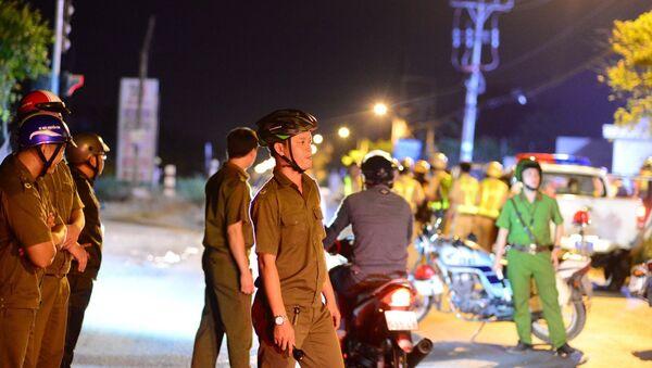Lực lượng chức năng làm nhiệm vụ trong quá trình vây bắt Tuấn Khỉ. - Sputnik Việt Nam