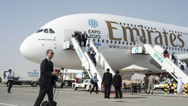 Máy bay chở khách Airbus A380-800 ở Dubai Airshow-2015 - Sputnik Việt Nam