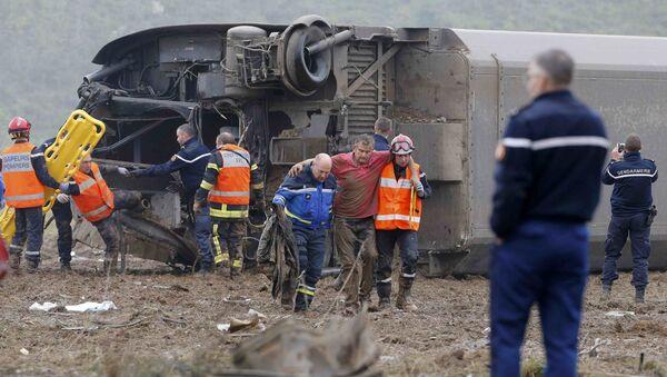 Công tác cứu hộ tại hiện trường tai nạn với tàu cao tốc - Sputnik Việt Nam