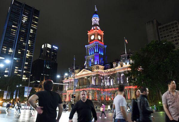 Tòa thị chính Sydney trong màu cờ Pháp - Sputnik Việt Nam