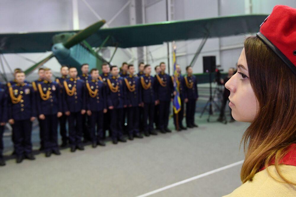Tại lễ khai mạc triển lãm Máy bay Chiến tranh Vệ quốc vĩ đại tại Bảo tàng Không quân Trung ương ở Monino