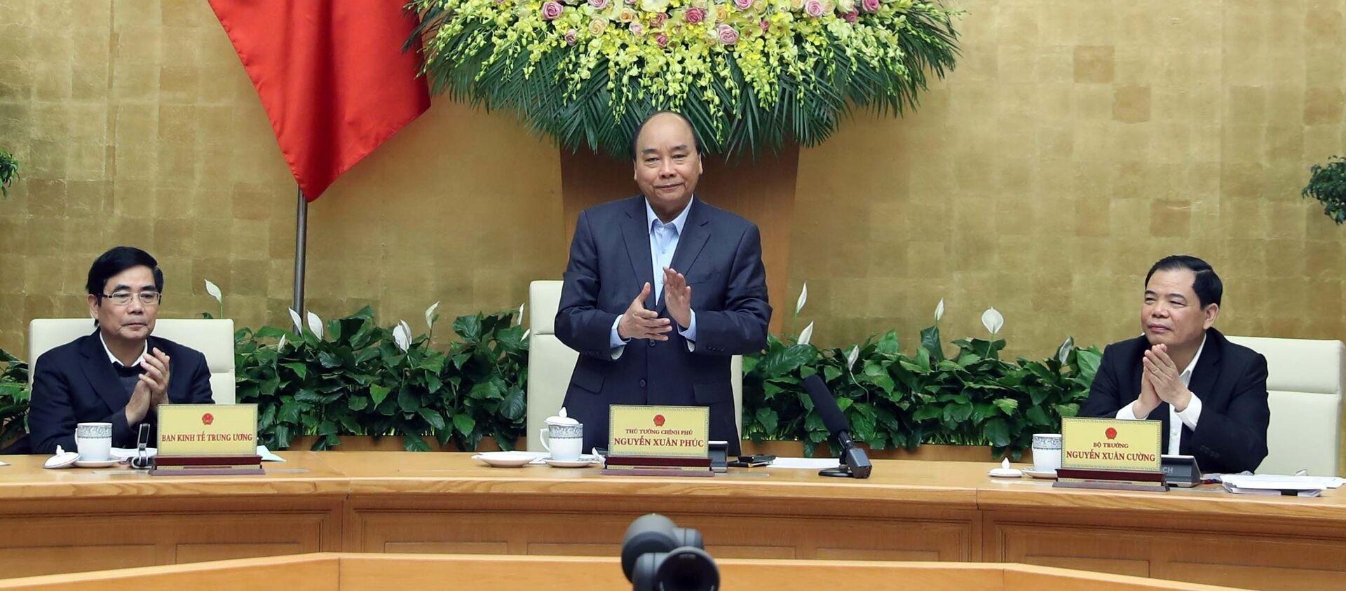 Thủ tướng Nguyễn Xuân Phúc chủ trì hội nghị. - Sputnik Việt Nam, 1920, 21.02.2020