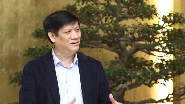 Thứ trưởng Bộ Y tế Nguyễn Thanh Long phát biểu tại cuộc họp - Sputnik Việt Nam