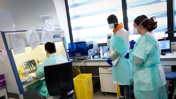 Phân tích phòng thí nghiệm coronavirus ở Pháp - Sputnik Việt Nam