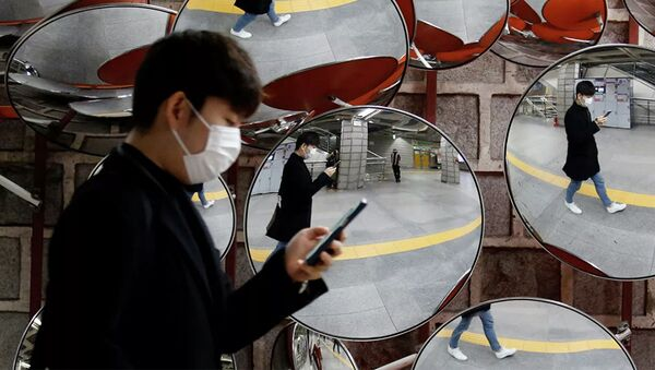 Người đàn ông đeo mặt nạ y tế - Sputnik Việt Nam