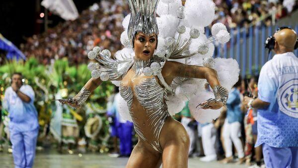 Người tham gia lễ hội giả trang Brazil 2020 - Sputnik Việt Nam