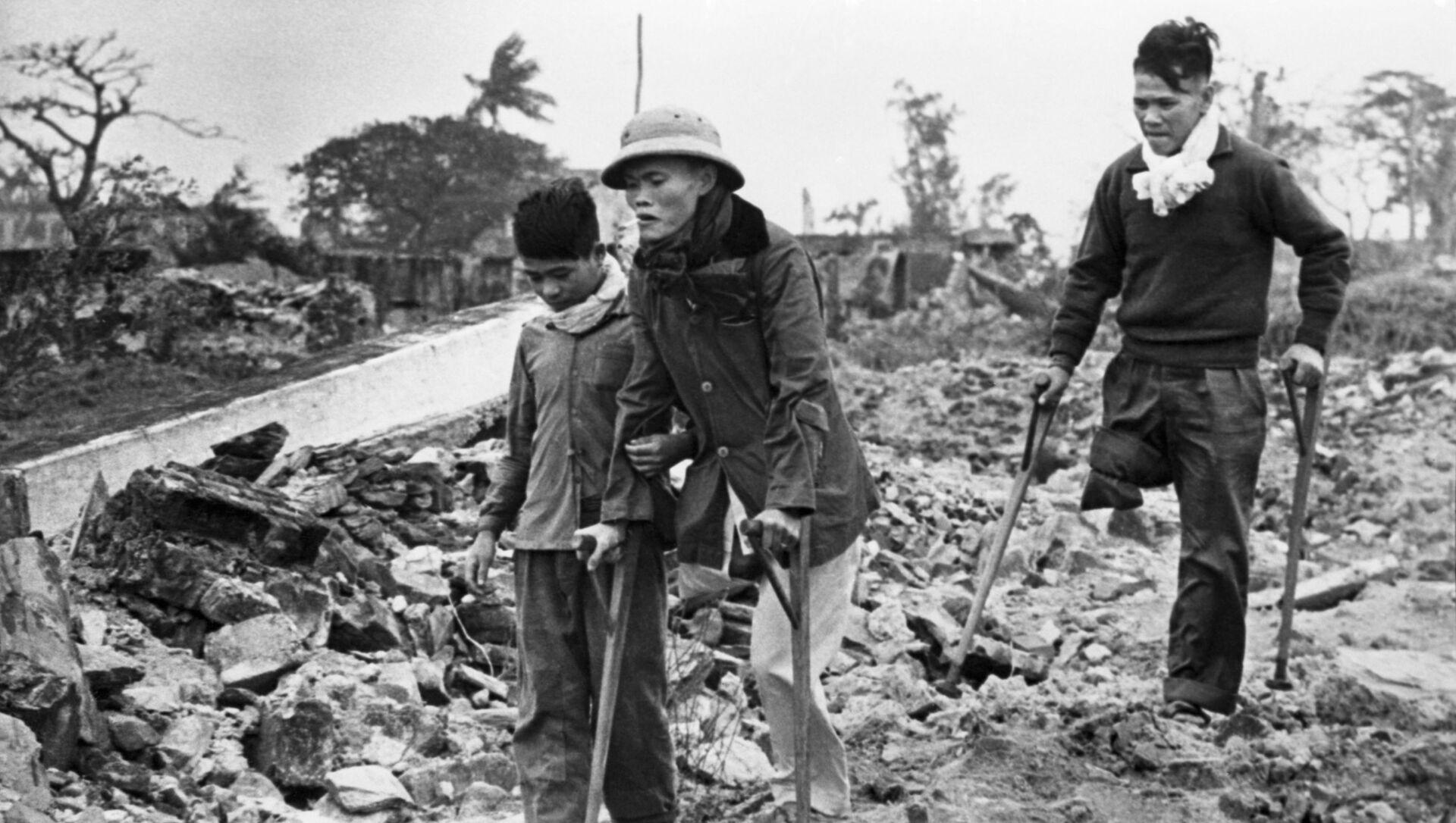 Chiến tranh ở Việt Nam (1964-1975). Các cư dân Việt Nam bị thiệt hại vì những trận ném bom của máy bay Mỹ - Sputnik Việt Nam, 1920, 12.05.2021