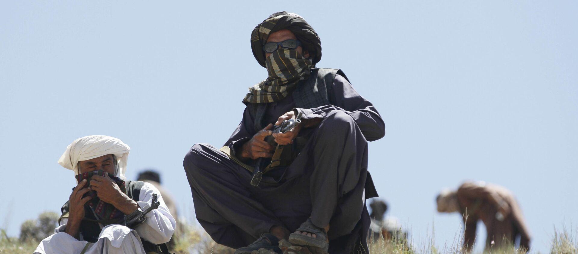 Taliban Afghanistan với vũ khí - Sputnik Việt Nam, 1920, 04.08.2021