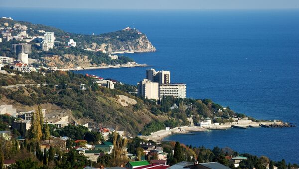 Cảnh bờ biển phía nam bán đảo Crưm trong vùng ngoại vi Yalta Lớn - Sputnik Việt Nam