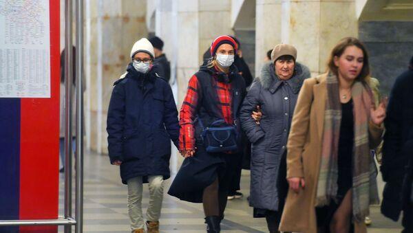 Hành khách của tàu điện ngầm Moskva. - Sputnik Việt Nam