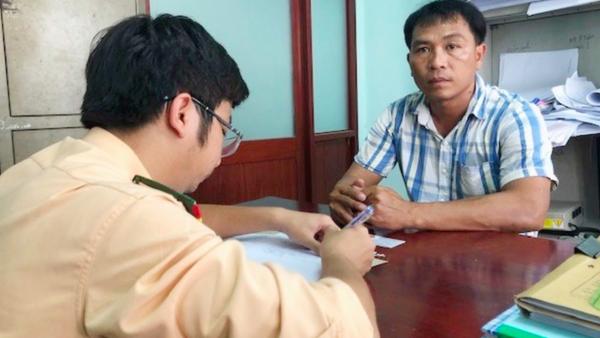 Tài xế Huỳnh Ngọc Thu tại cơ quan điều tra. - Sputnik Việt Nam