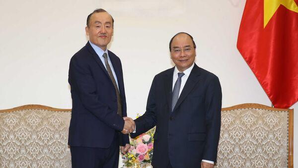 Sáng 14/3/2020, tại Trụ sở Chính phủ, Thủ tướng Nguyễn Xuân Phúc tiếp Tiến sĩ Kidong Park, Trưởng đại diện Tổ chức Y tế thế giới (WHO) tại Việt Nam - Sputnik Việt Nam