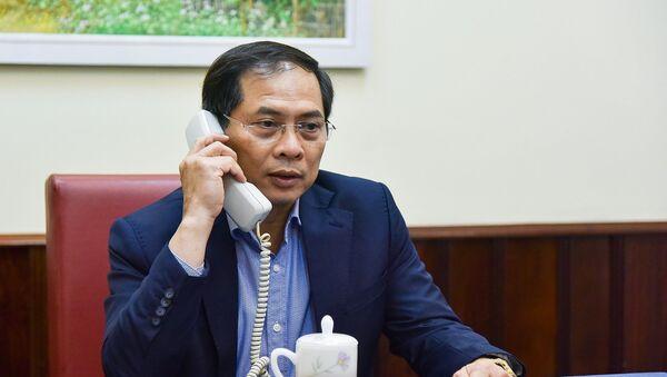 Sáng ngày 27/3/2020 (giờ Hà Nội), Thứ trưởng thường trực Bộ Ngoại giao Bùi Thanh Sơn có cuộc điện đàm lần thứ hai với lãnh đạo Bộ Ngoại giao các nước Mỹ, Nhật Bản, Hàn Quốc, Ấn Độ, Australia và New Zealand về tình hình dịch bệnh COVID-19 - Sputnik Việt Nam