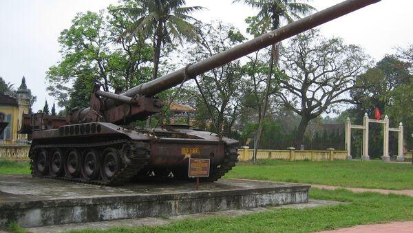 Pháo tự hành SPG M107 của Mỹ do quân Giải phóng miền Bắc Việt Nam thu được - Sputnik Việt Nam