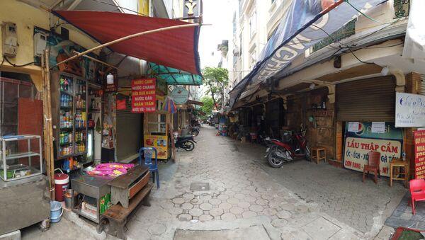 Cũng như nhiều nơi trong thành phố, các nhà hàng đặc sản ẩm thực ngừng hoạt động để phòng chống dịch - Sputnik Việt Nam