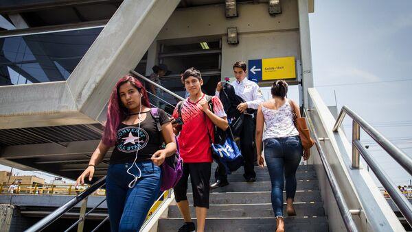 Giới trẻ thành phố Peru Lima - Sputnik Việt Nam