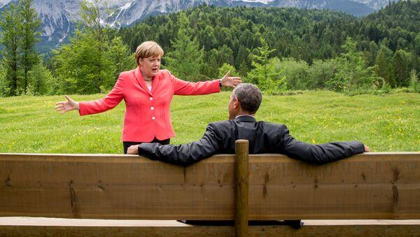 Thủ tướng Đức Angela Merkel và Tổng thống Hoa Kỳ Barack Obama trong  cuộc hội đàm tại lâu đài  Elmau ở Đức - Sputnik Việt Nam