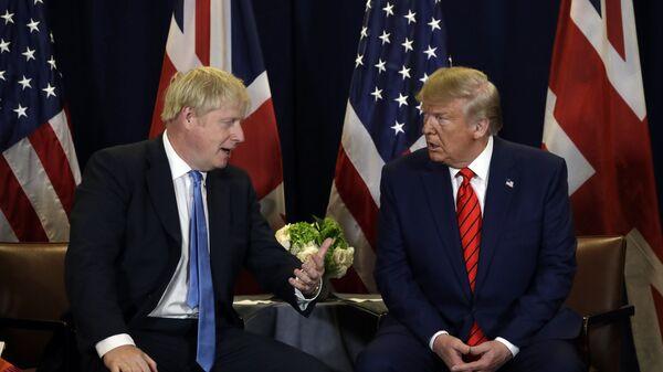 Cuộc gặp giữa Cựu Tổng thống Mỹ Donald Trump và Thủ tướng Anh Boris Johnson tại Đại Hội đồng Liên Hiệp Quốc - Sputnik Việt Nam