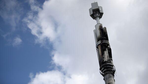 Những đối tượng phá hoại ở Anh đã làm hư hại ít nhất 20 tháp 5G  - Sputnik Việt Nam