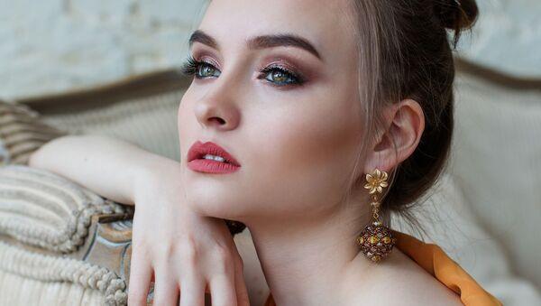 Cô gái xinh đẹp. - Sputnik Việt Nam