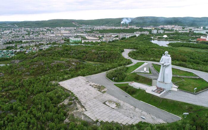 Đài tưởng niệm «Người bảo vệ Vùng Cực của Liên Xô trong Chiến tranh Vệ quốc Vĩ đại» ở Murmansk