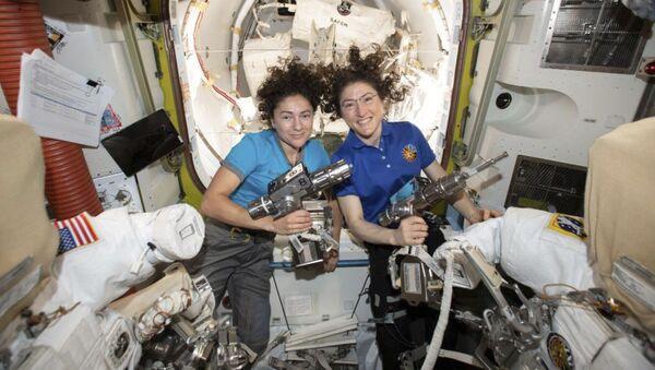 Các phi hành gia Christina Koch và Jessica Mayr trên ISS - Sputnik Việt Nam