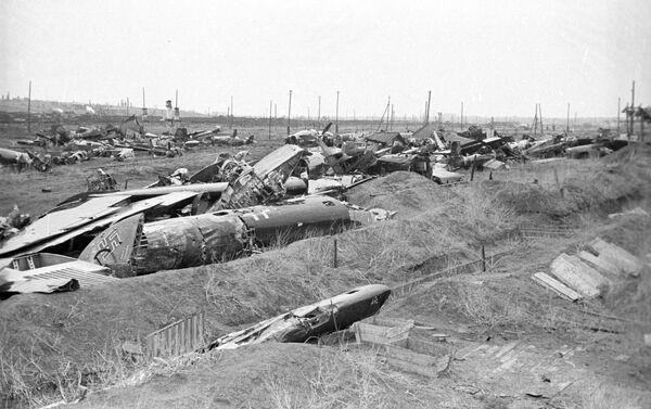 Những chiếc Máy bay phát-xít bị bắn rơi trong trận Stalingrad - Sputnik Việt Nam