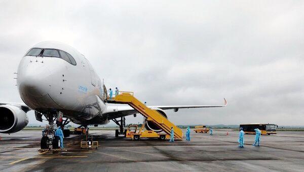 Tàu bay mang số hiệu OZ7737 của hãng hàng không Asiana Airlines. - Sputnik Việt Nam
