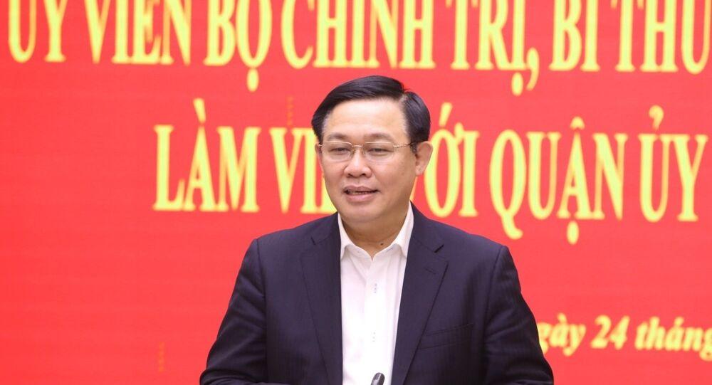 Bí thư Thành ủy Hà Nội Vương Đình Huệ phát biểu chỉ đạo tại buổi làm việc với Quận ủy Hoàn Kiếm.