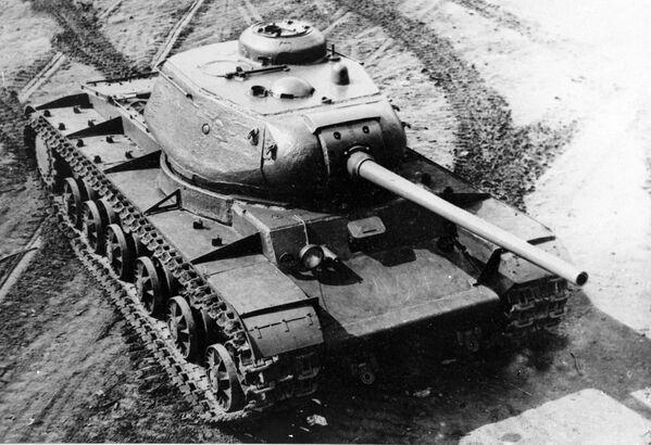 Xe tăng Liên Xô hạng nặng KV-85 thời Chiến tranh Vệ quốc Vĩ đại - Sputnik Việt Nam