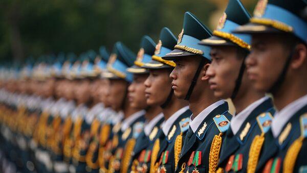Chiều 29/4, Thủ tướng Chính phủ Nguyễn Xuân Phúc đã đến thăm, làm việc với Quân chủng Phòng không-Không quân, Quân đội nhân dân Việt Nam. - Sputnik Việt Nam