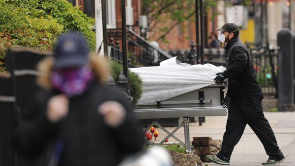Công nhân tang lễ Brooklyn, New York - Sputnik Việt Nam