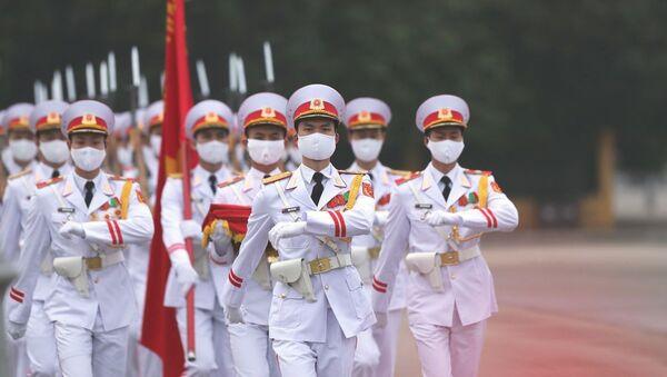 Lễ thượng cờ trên quảng trường Ba Đình, Hà Nội kỷ niệm 45 năm thống nhất đất nước - Sputnik Việt Nam