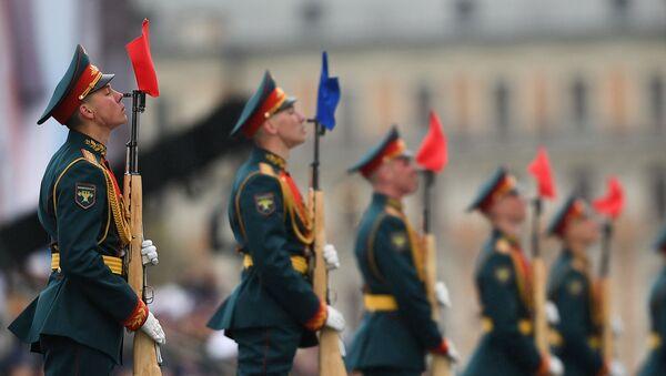 Những người lính trung đoàn tổng thống tại cuộc duyệt binh kỷ niệm 72 năm Chiến thắng của nhân dân Liên Xô trong cuộc Chiến tranh Vệ quốc vĩ đại chống phát xít Đức - Sputnik Việt Nam