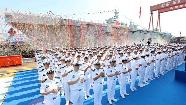 Trung Quốc hạ thủy tàu đổ bộ đa năng thứ hai thuộc lớp 075. - Sputnik Việt Nam