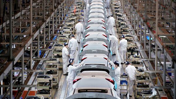 Sản xuất xe hơi tại nhà máy Dongfeng Honda tại Vũ Hán - Sputnik Việt Nam