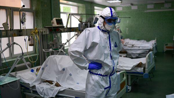 Bác sĩ và bệnh nhân trong phòng chăm sóc đặc biệt và chăm sóc đặc biệt của bệnh viện lâm sàng thành phố mang tên V.V. Vinogradov. - Sputnik Việt Nam