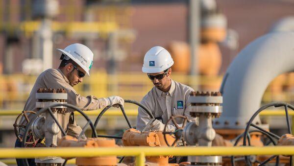 Kỹ sư của Công ty dầu mỏ Saudi Aramco - Sputnik Việt Nam