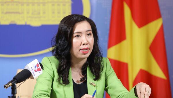 Người Phát ngôn Bộ Ngoại giao Việt Nam Lê Thị Thu Hằng trả lời các câu hỏi của phóng viên. - Sputnik Việt Nam