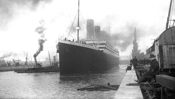 Titanic tại bến cảng Southampton trước khi khởi hành - Sputnik Việt Nam