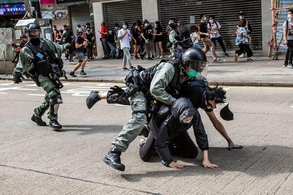 Cảnh sát trấn áp cuộc biểu tình chống Chính phủ ở Hồng Kông - Sputnik Việt Nam