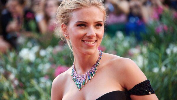 Nữ diễn viên Scarlett Johansson tại Liên hoan Phim quốc tế Venice lần thứ 70 - Sputnik Việt Nam
