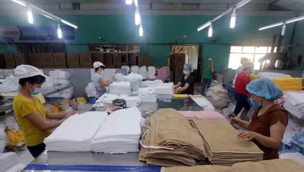Sản xuất khăn các loại xuất khẩu sang thị trường Nhật Bản. - Sputnik Việt Nam