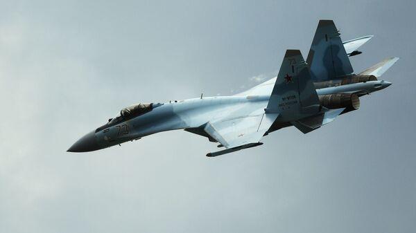 Máy bay Su-35S tại diễn đàn kỹ thuật quân sự quốc tế Army-2019. - Sputnik Việt Nam